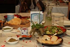 האוכל של מיסטיק רוז - אירוע נוטרילון
